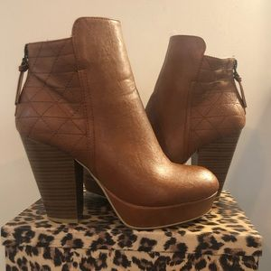 Wild Diva Lounge -Brown Leather Booties -SZ 7.5